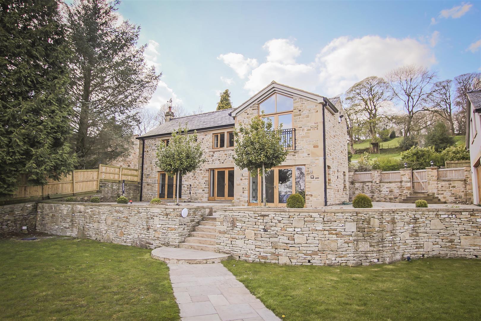 4 Bedroom Detached House For Sale - Farmhouse 19